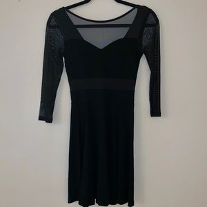 H&M S 3/4 Sleeve Skater Dress